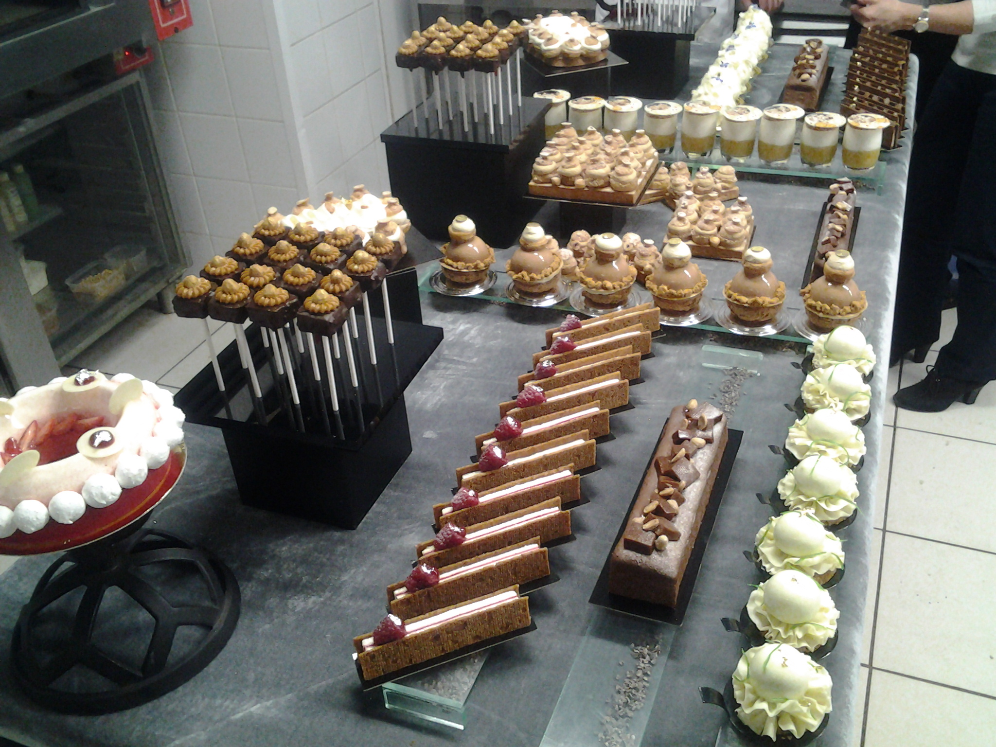 assortiment patisserie pau